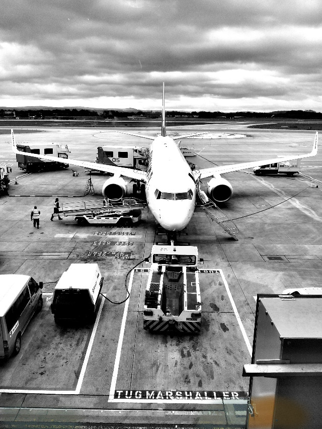 #Plane #airport #black&white